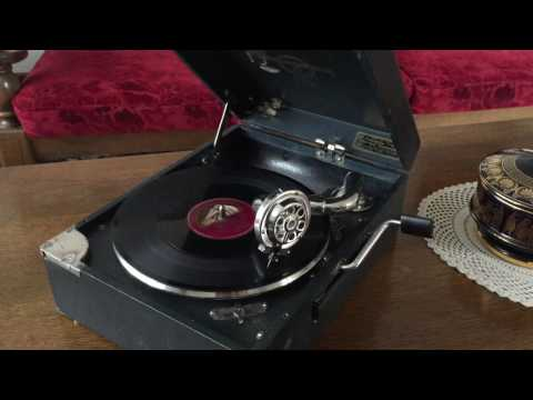 british national anthem god save the king ( queen ) ww2 original sound