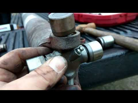 How to replace a universal joint on a truck Dodge ram 1500 hemi 2002 2003 2004 2005 2006 2007 2008