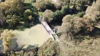 Крымский мост строится,а его Прадед разваливается!