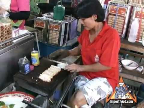 Thai Street Vendor Tong Muan (Thai Crispy Roll)