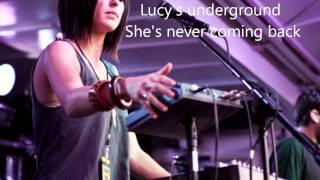 Phantogram - When I'm small (Lyrics!)