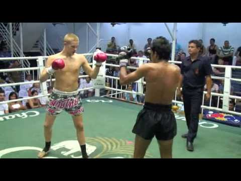 Oliver (Tiger Muay Thai) vs. Petchdarn (Thailand) @ Bangla Boxing Stadium
