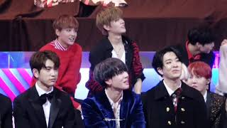 171201 NCT127 Yuta focus reaction to Wong Cho Lam & Jeong Sewoon Best Female Group MAMA 2017 ft GOT7