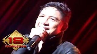 Video Ungu - Bayang Semu (Live Konser Palembang 2014) download MP3, 3GP, MP4, WEBM, AVI, FLV Desember 2017