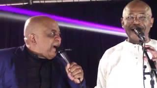 Henri Njoh en duo au Concert des 35 ans de carrière de Ben Decca à Nanterre 24 Novembre 2018