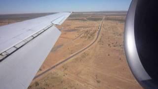landing at Alice Springs アリススプリングス空港に着陸