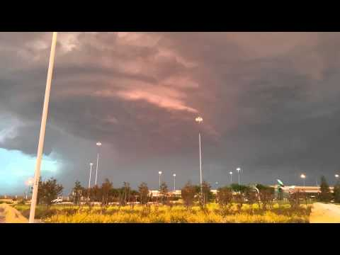 Crazy Ailien Cloudship at Sacramento Airport