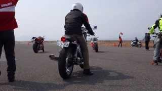 ユーロバイクチャリティー試乗展示会 in広島西飛行場 Moto Guzzi V7 Classic