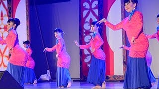 Dances Of Malaysia - Dancing In The Moonlight (28)