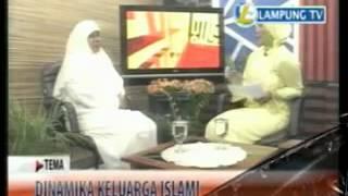 Repeat youtube video MENGENAL MUSLIMAH HTI