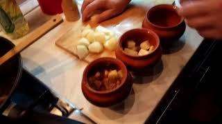 мясо индейки в горшочке