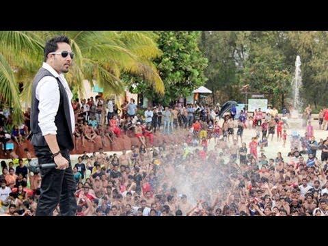 O Laila Teri Le Legi | Mika Singh's Live...