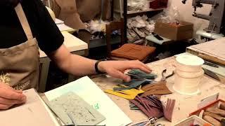 Making a tassel keychain - Pelletteria Artigiana Viviani Firenze