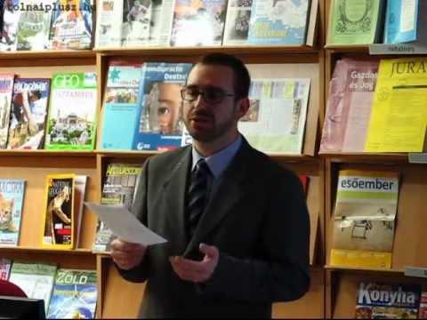 """""""A fehér füst mögött"""" - ifj. Töttős Gábor előadása a pápaság kialakulásáról"""