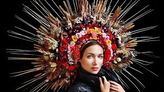 Ukrainian flower crown and the Black Sea