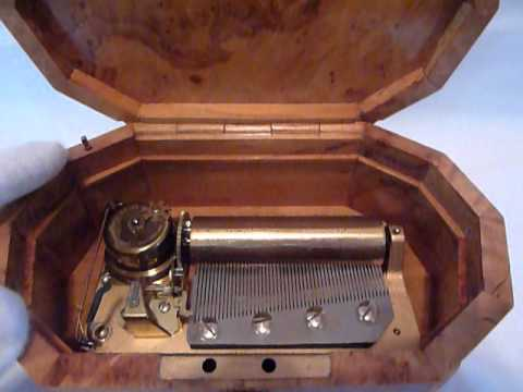 Reuge 3 song 50 note music box