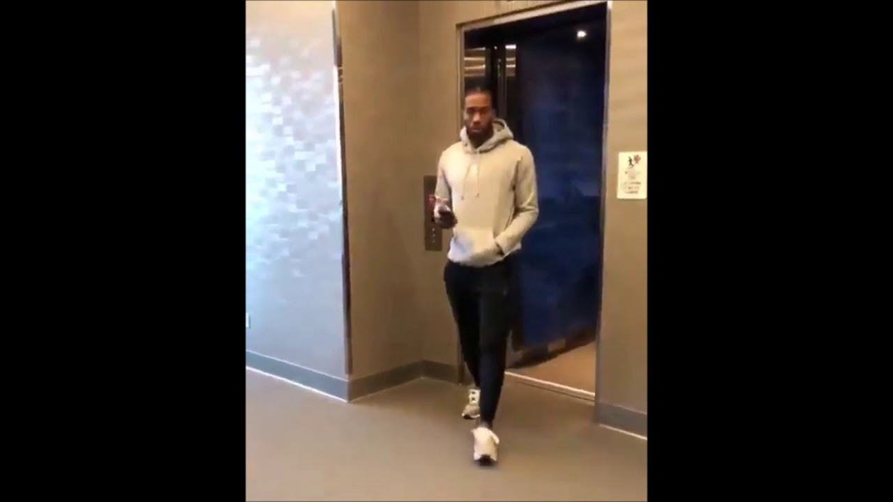 c5c46a9652709 Kawhi Leonard rocking New Balance Sneakers to Raptors Practice first time  12/4/18