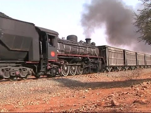 Botswana - Henschel 19Ds on real freight, 2005