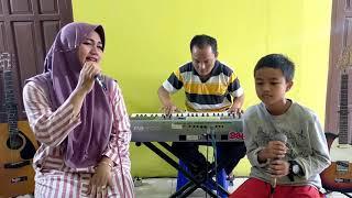 Download lagu KATAKAN SEJUJURNYA - CHRISTINE PANJAITAN - BAGOES FAMILY (COVER)
