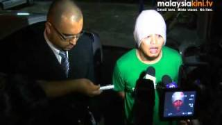 Namewee gives statement to police on 'Nah!' video