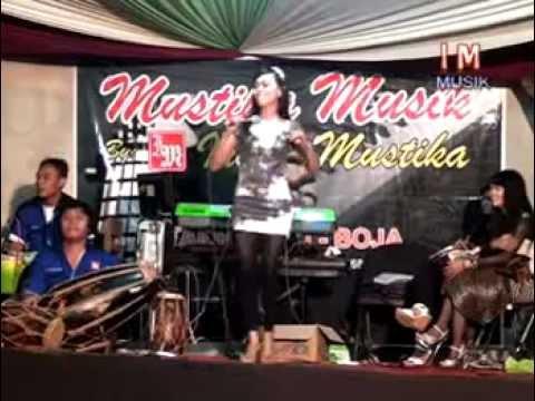 Mustika Musik''Secawan Madu''_Titis by Indah Mustika WO