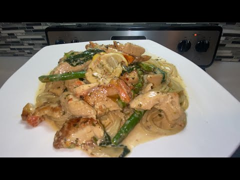 Creamy lemon chicken with asparagus and spinach