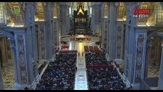 Liturgia Wielkiego Piątku z Bazyliki Świętego Piotra w Watykanie