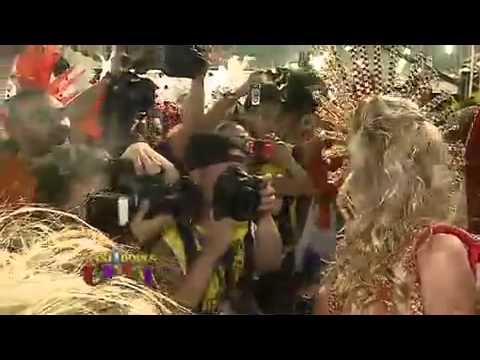 Bastidores do Carnaval V deo Andressa Urach vai de peito erto para ...