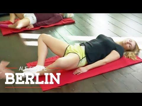 Koma beim Yoga: Warum sind die Freundinnen bewusstlos? | Auf Streife - Berlin | SAT.1 TV