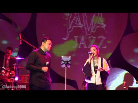 Raisa ft. Tulus - A Whole New world @ JJF 2013 [HD]