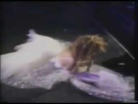 Madonna - Like A Virgin (Music Video Awards 1984)