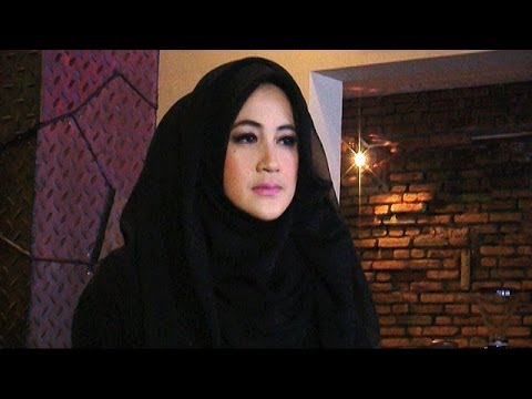 Umi Pipik Jadi Model Busana Muslim - Was Was 01 April 2014