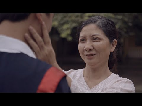[ Phim ngắn ] Ừ, Mẹ Anh Phiền Thật! (Yes, My Mom Is Annoying)