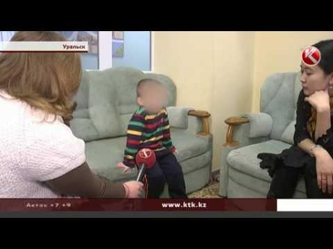 Ребенок, которого пыталась убить родная мать, останется в центре адаптации