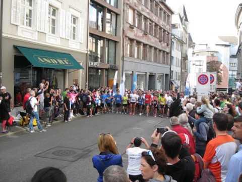 Start des Ekidenlauf am IWB Marathon 28.09.2014 in Basel