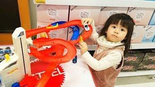 홈플러스에서 크리스마스 행사 자동차 장난감 car toys