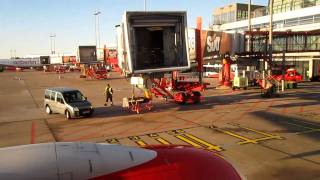 Air Berlin Boeing 737-700 HAM-DUS Startup and Taxi Part 1/4