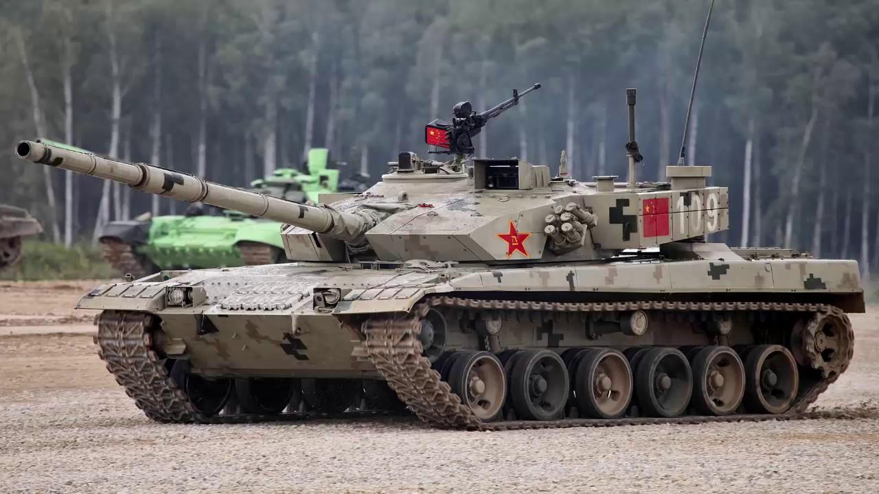 Chinese crews of modern Type 96B main battle tanks ...