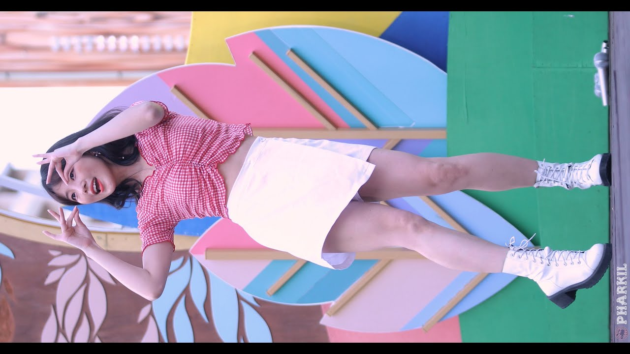 칠리치크(chillicheek) (연서) 살짝 설렜어, 뿜뿜 @ 비발디파크 [200704][4K][직캠] by pharkil