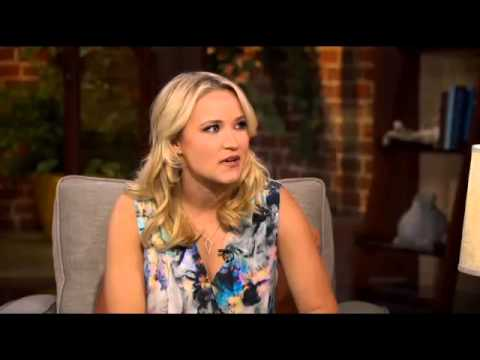Emily Osment Plays New Lead Role In 'Young and Hungry'