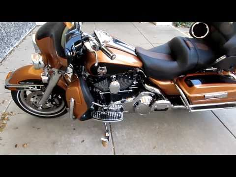 1005th Anniversary Harley Ultra Classic, Chrome forks, Rhinehart exhaust
