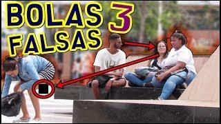 LINDA GAROTA COM BOLAS FALSAS 3 - PEGADINHA (FAKE BALLS PRANK)
