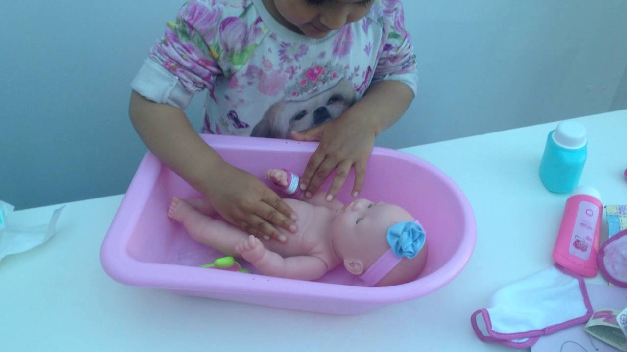 Aaryas New toy Baby Emmi giving her bath at aaryas play home - YouTube