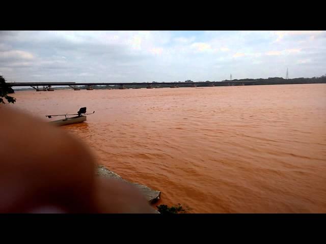 Rio doce em Linhares destruído pelo rompimento da barragem