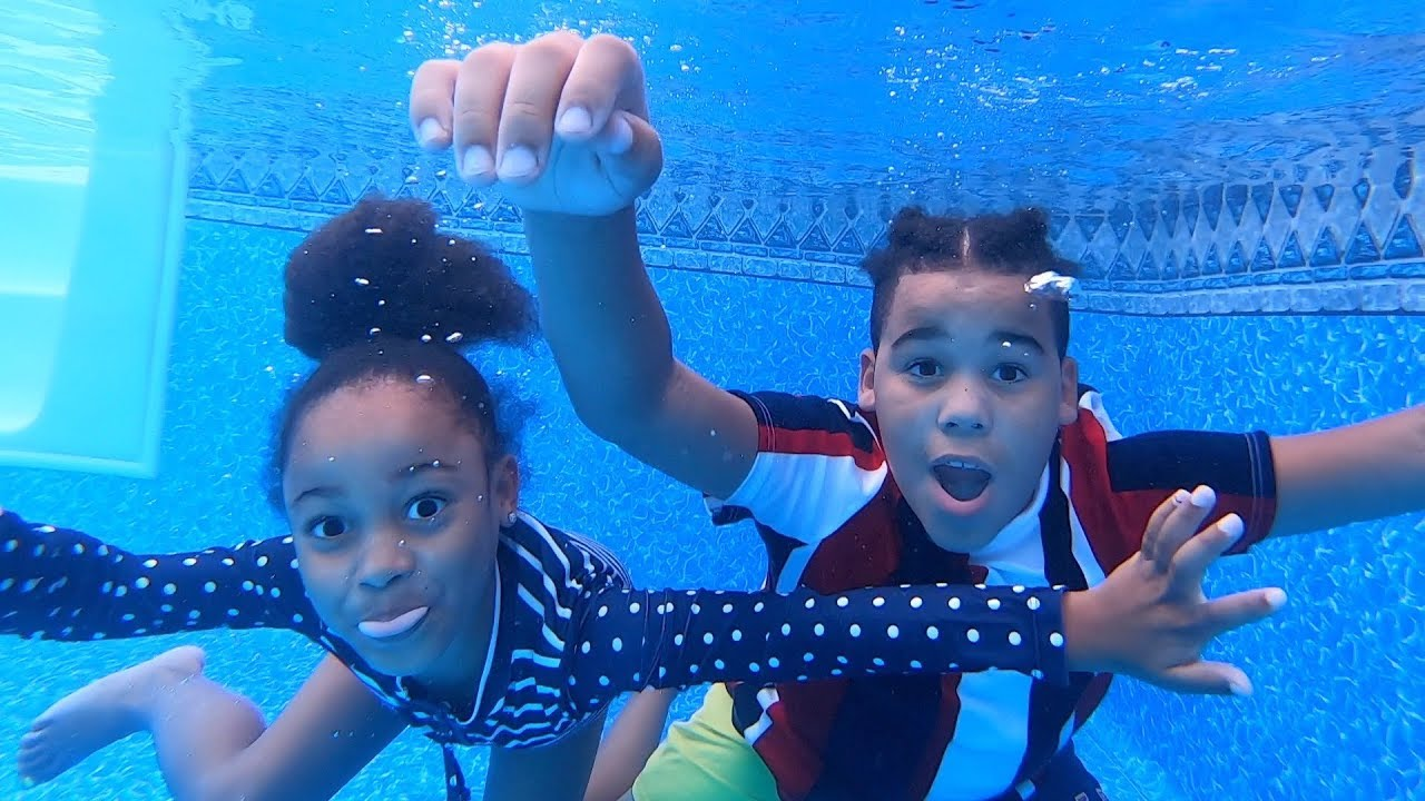 FamousTubeKIDS UNDERWATER SWIMMING LESSONS!