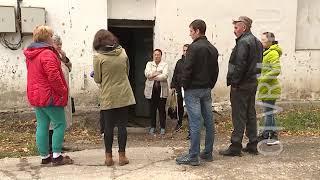 Ремонт старого дома в п.Комсомольский сдвинулся с мертвой точки.