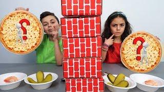 Twin Telepathy Pizza Challenge! Family fun