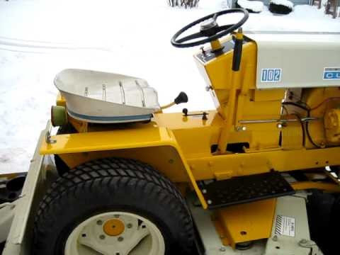Cub Cadet Tractor 20hp showing the snowblower in action ...