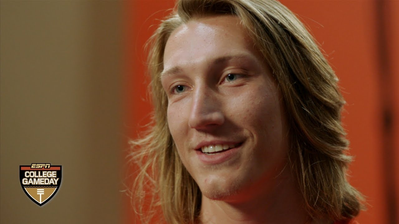 Trevor Lawrence, Clemson pound Pittsburgh on senior day