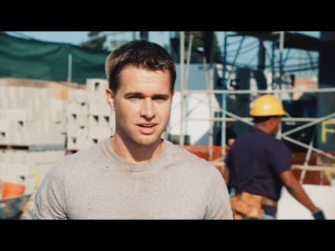 Randy Wayne  Coors Light Commercial 2011